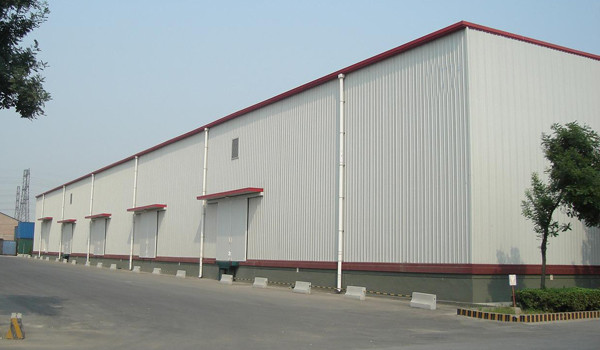 Q345B Structural Steel Warehouse For Logistic With Alu. Window And Rolling Door